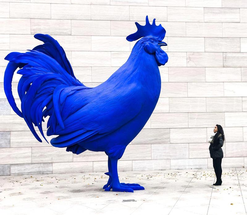 @candycalderon_ - Woman with Katharina Fritsch's Hahn/Cock sculpture at the National Gallery of Art - Most Instagrammable spots in Washington, DC