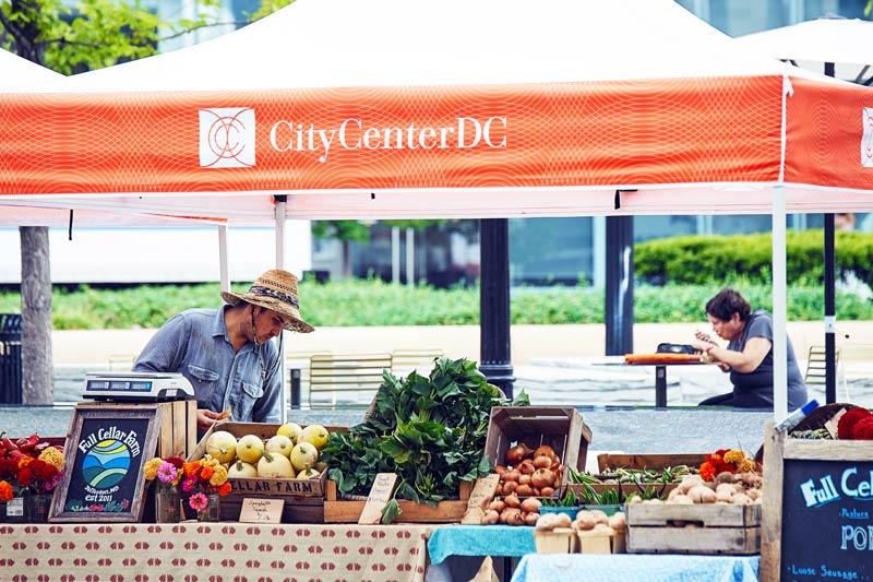 Fresh produce at the CityCenterDC FreshFarm farmers' market - Local farmers' markets in Washington, DC