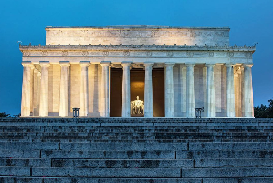@cmplaya - Lincoln Memorial at Dawn - Washington, DC