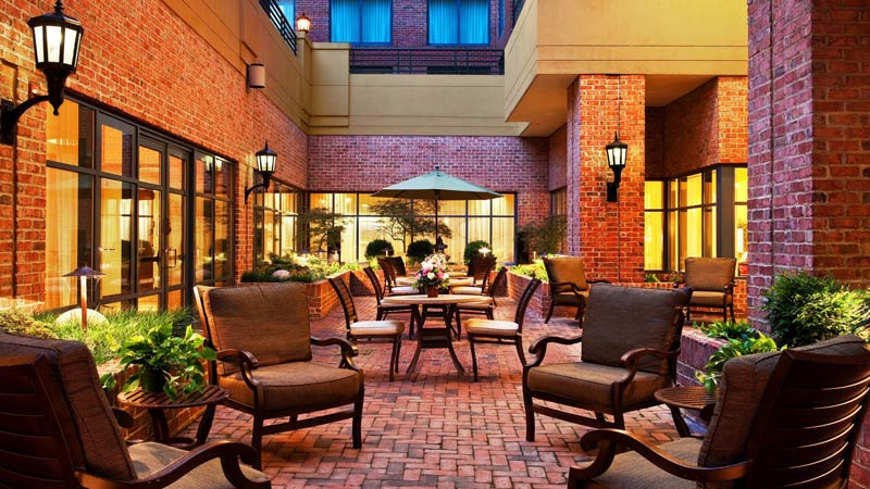 Courtyard at the Sheraton Suites Old Town Alexandria - Hotels in Northern Virginia near Washington, DC