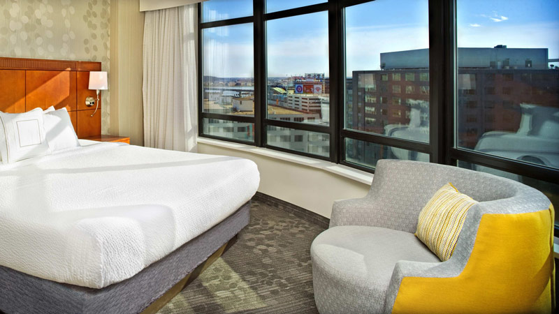 Courtyard by Marriott Capitol Hill/Navy Yard - Hotel room with view of Nationals Park