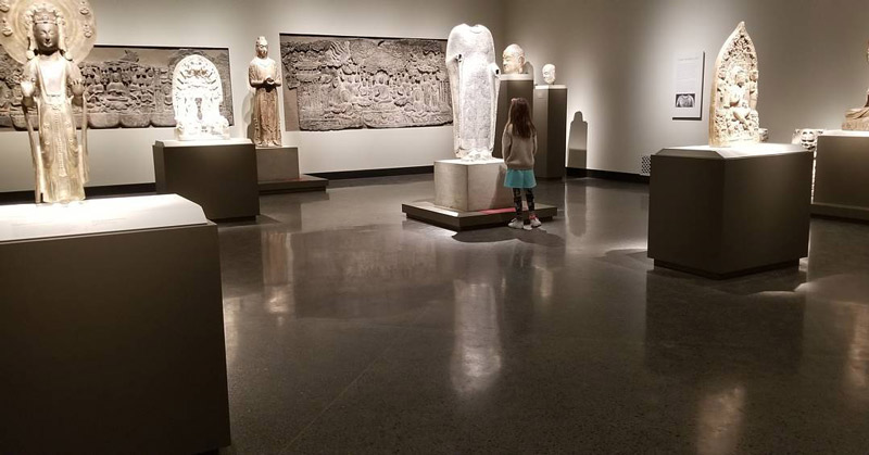 @dcceline - Child viewing artwork at Smithsonian Freer Sackler Galleries - Free museum in Washington, DC