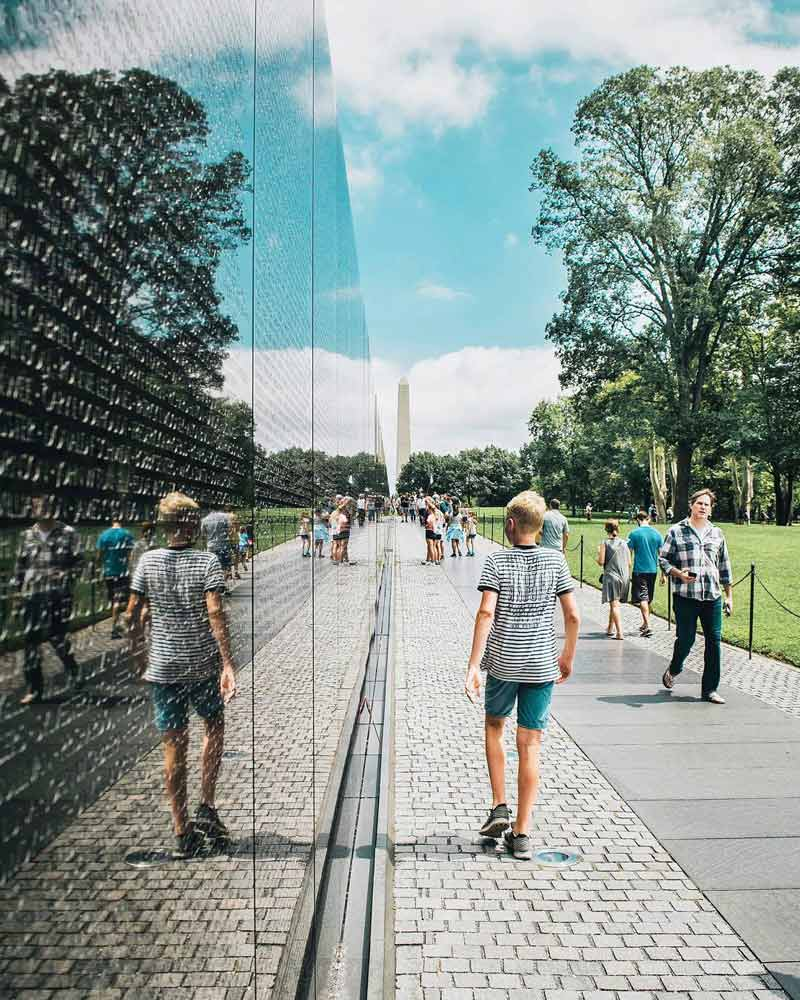 @elalvarortiz - Summer scene at Vietnam Veterans Memorial on the National Mall - History and heritage site in Washington, DC