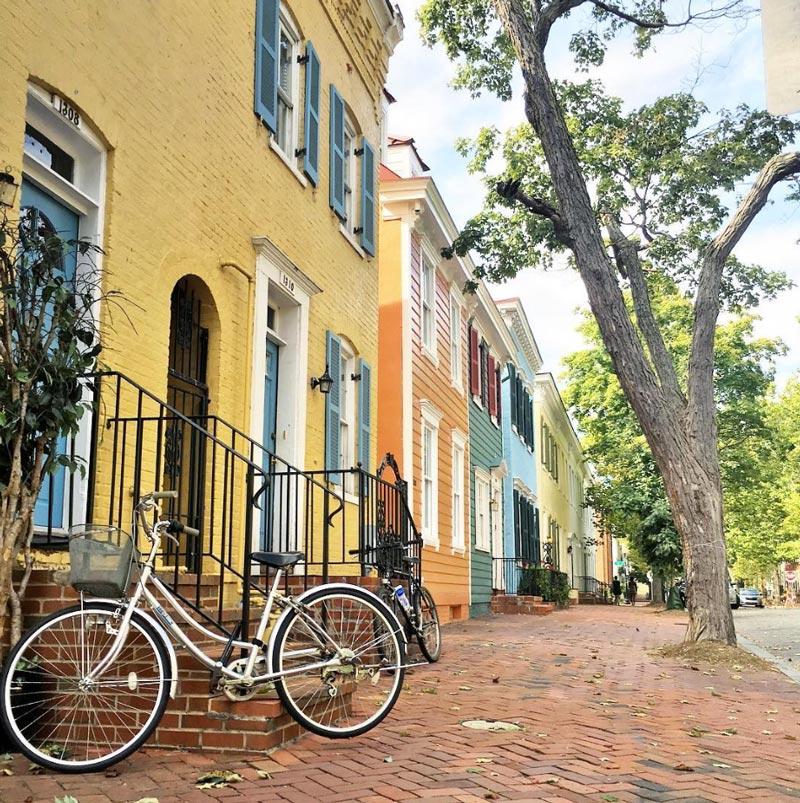 @erinebert - Colorful rowhouses in Georgetown - Neighborhoods in Washington, DC