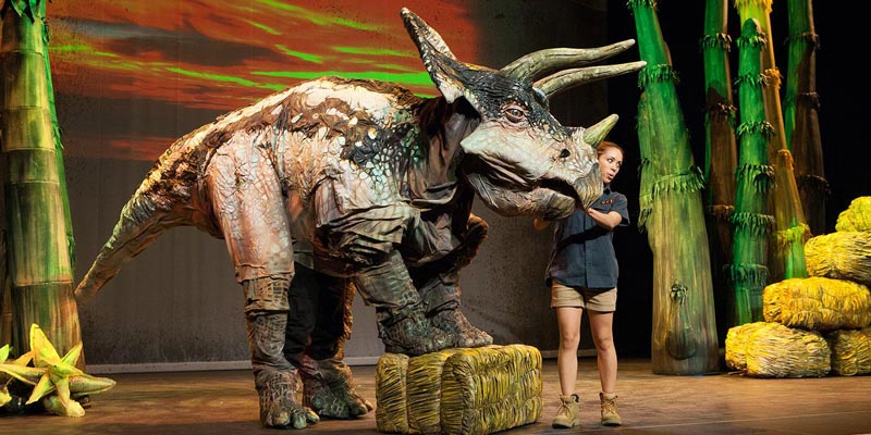 Erth;s Dinosar Zoo Live Show at the Smithsonian National Zoo - Things to do for free in Washington, DC