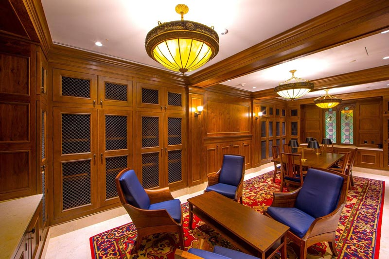 Executive Library at the Museum of the Bible - Best places for intimate meetings in Washington, DC