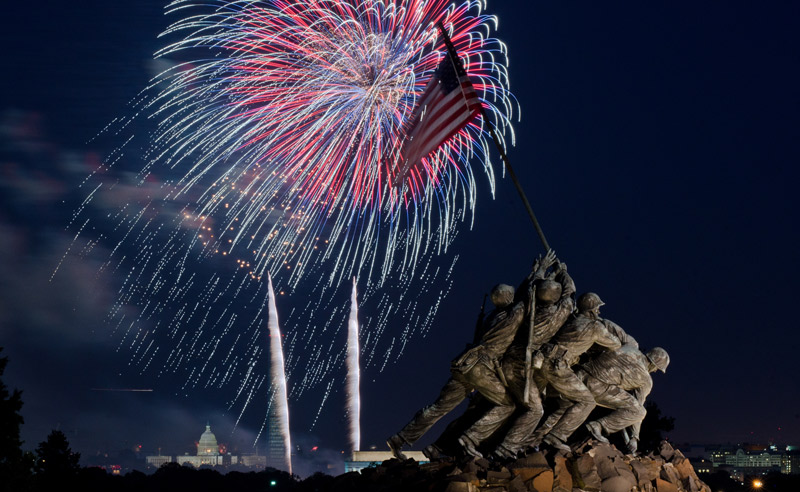 Fourth of July Fireworks from the Marine Corps Iwo Jima Memorial in Virginia - Where to Watch the Independence Day Fireworks