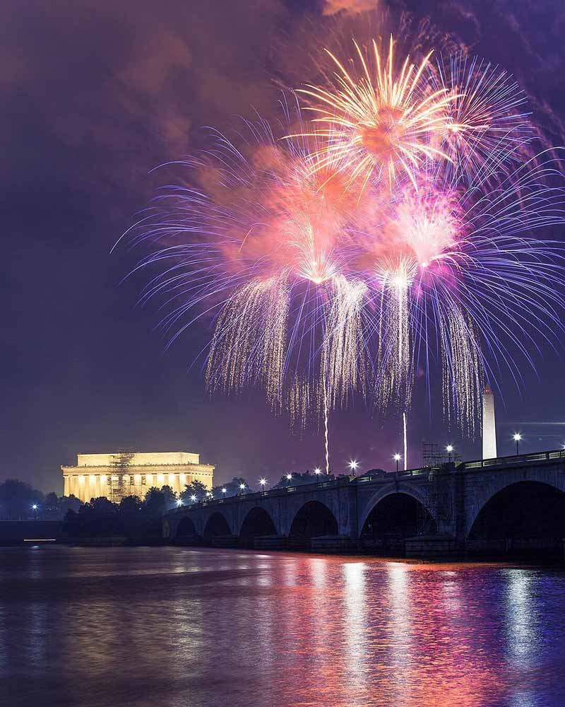 @killachi - Fourth of July fireworks over Lincoln Memorial and Arlington Memorial Bridge from Mount Vernon Trail - Best spots to watch Independence Day fireworks in and near Washington, DC