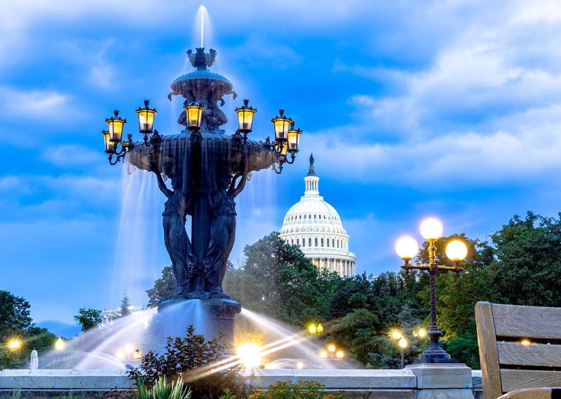 @maccmahon - Bartholdi Park on Capitol Hill at night - Public parks and gardens in Washington, DC