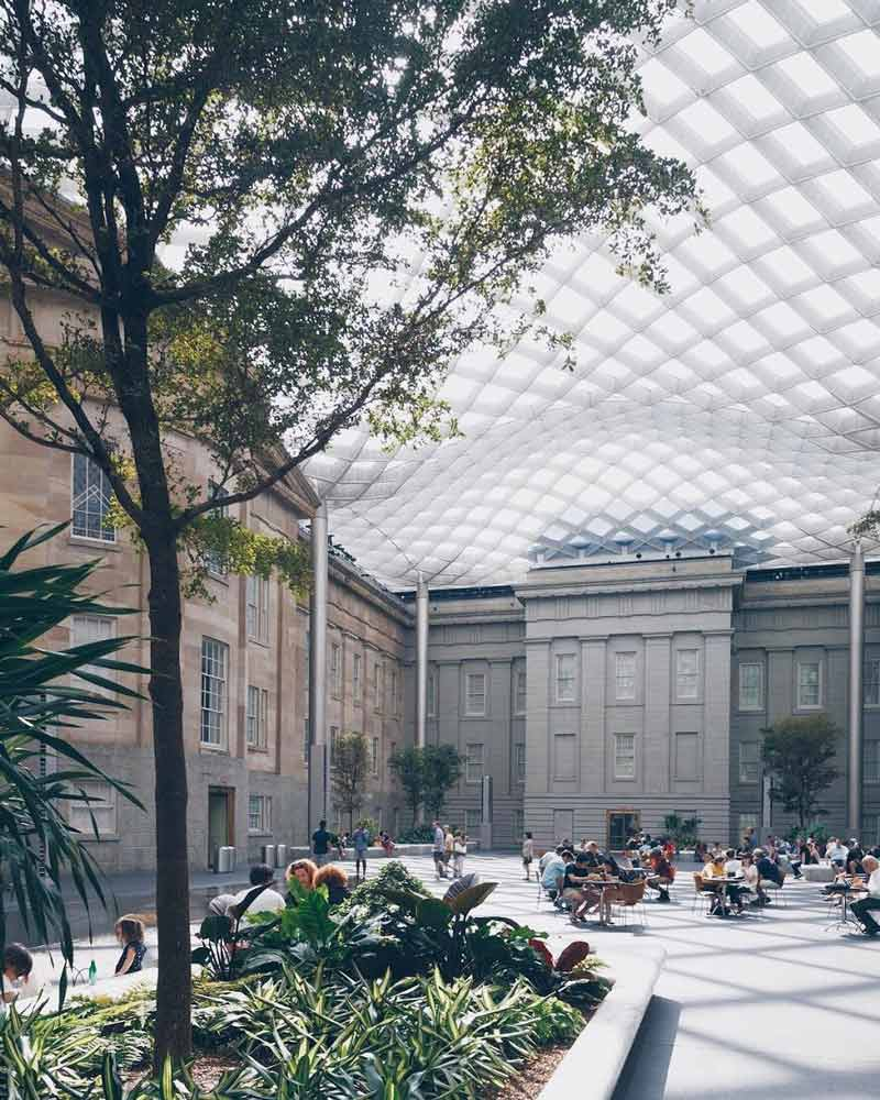 @markalanandre - Summer afternoon at the Kogod Courtyard in Penn Quarter - Washington, DC