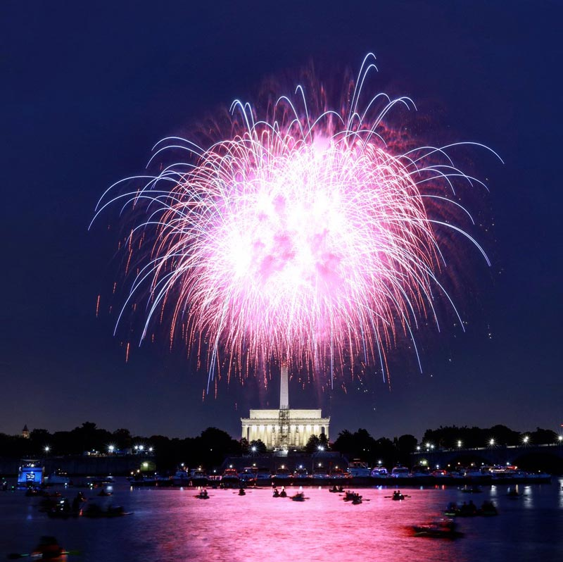 @nicholasjboyle - Fireworks over the Potomac River and Lincoln Memorial - View of Fourth of July fireworks from Lady Bird Johnson Park
