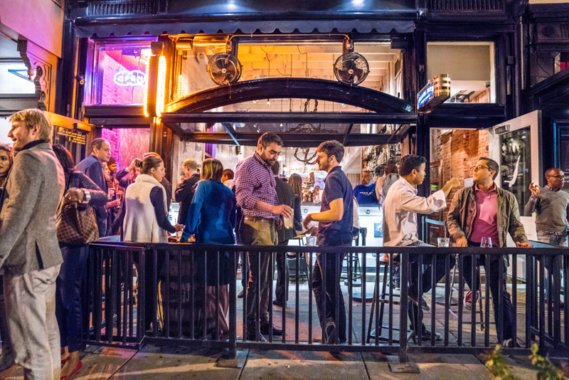 Diners outside Pearl Dive on 14th Street - Bars and restaurants in Washington, DC