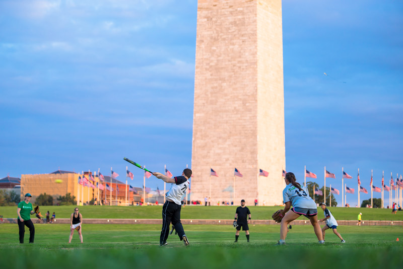 @pdiddypics - Playing softball on the National Mall - Outdoor activities in Washington, DC
