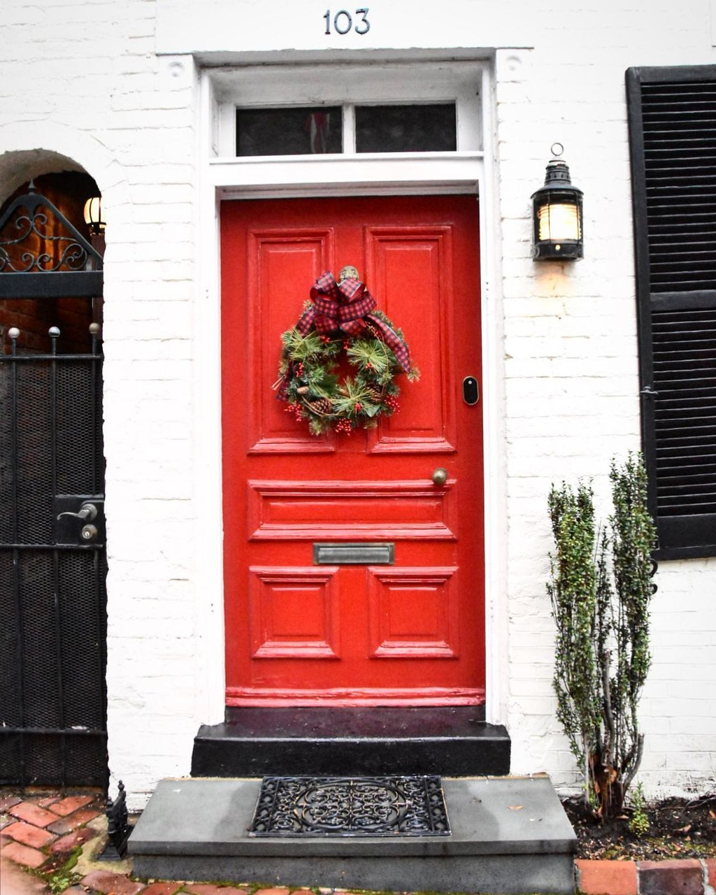 @s.d.huntington - Red door with Holiday Wreath