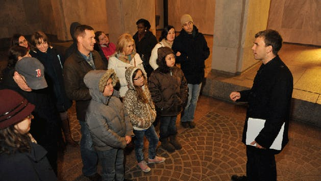 Scary DC Tours Horror on the Hill group - Ghost tours in Washington, DC