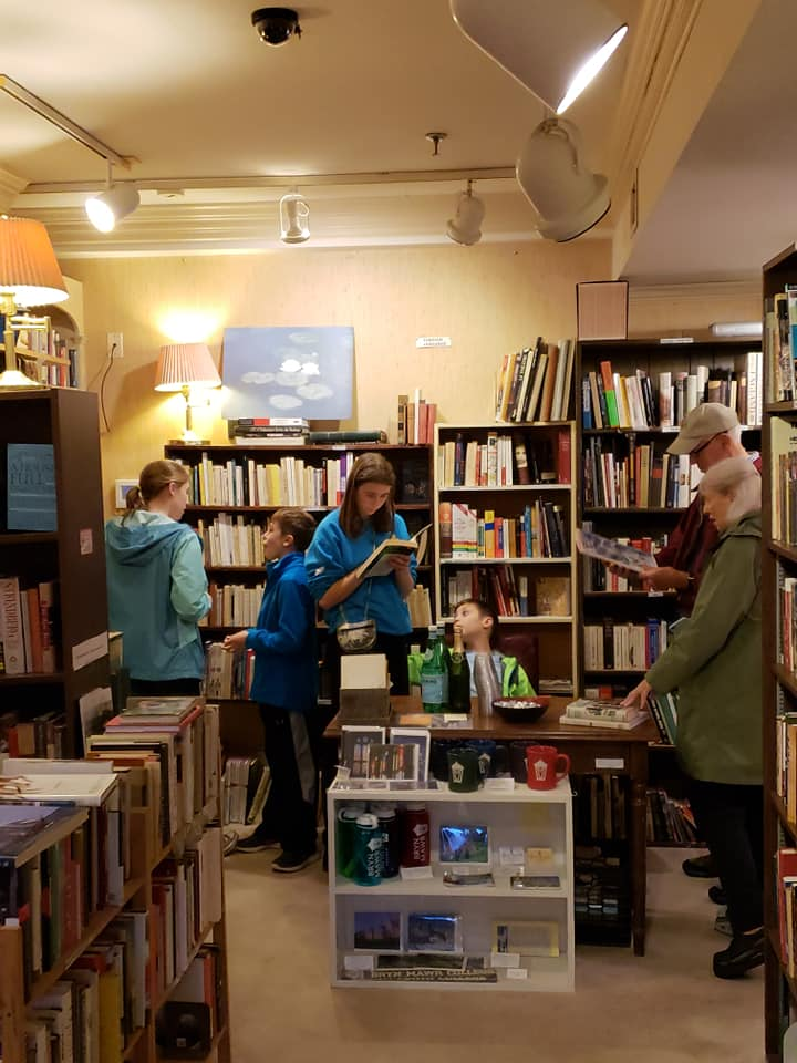 Shoppers at The Lantern bookstore - Independent bookstores in Washington, DC
