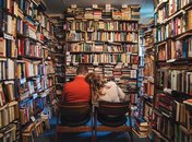 @sanauphoto - Couple at Capitol Hill Books - Independent charming bookstores in Washington, DC