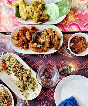 @abdullasyed - Vibrant Burmese dishes from Thamee restaurant on H Street NE - The best restaurants in Washington, DC