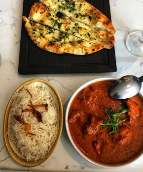 @atravelerstaste - Butter chicken and naan from Karma Modern Indian - Where to ear near Mount Vernon Square and Downtown Washington, DC