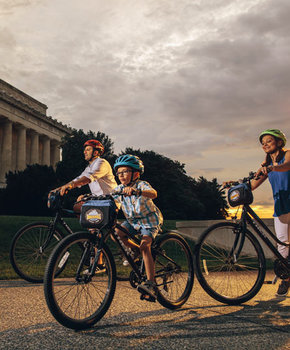 Family on Bike and Roll tour of the National Mall - Family friendly tours and activities in Washington, DC