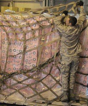 10,000 Georgetown Cupcakes for U.S. Troops