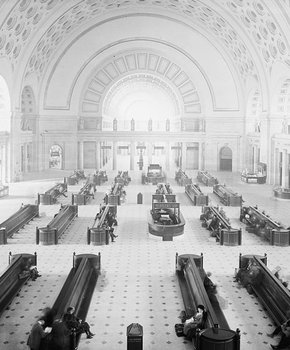 Union Station in Washington, DC - Public transportation hub with dining, shopping and more