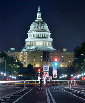 @louisludc - Time Lapse of Pennsylvania Avenue and the United States Capitol at Night - Washington, DC