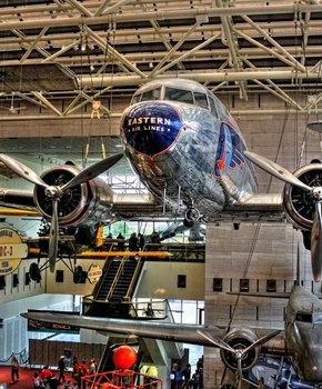 Resultado de imagem para Smithsonian Air and Space Museum in Washington, DC
