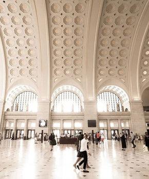 @scor3p.o - Inside Union Station Main Hall - Transportation hub in Washington, DC