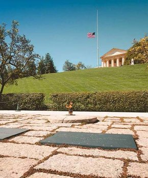 @thuspasses - John F. Kennedy Eternal Flame at Arlington National Cemetery - Guide to visiting Arlington National Cemetery
