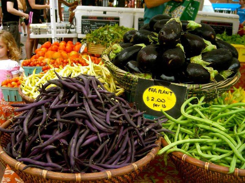 Mount Pleasant Farmers' Market Fresh Produce - Washington, DC