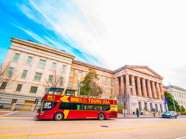 Big Bus Tours Around Penn Quarter and the National Mall