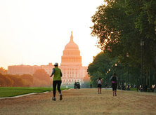 @i.cami - Early morning runners on the National Mall - Outdoor activities in Washington, DC