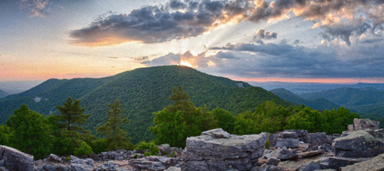 Wander among mountains and streams at Shenandoah National Park