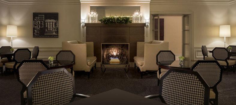 Fyve Restaurant Lounge