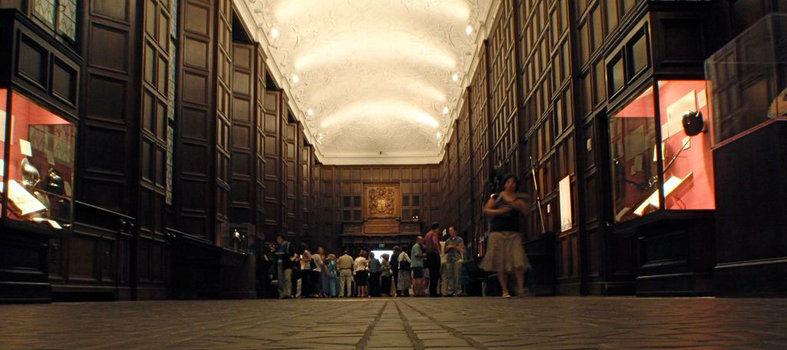 Go to a play at the Folger Shakespeare Library