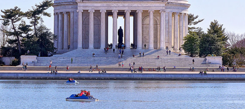Paddle on the Tidal Basin one last time