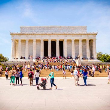 Summertime in front of the Lincoln Memorial on the National Mall - The best attractions and landmarks in Washington, DC