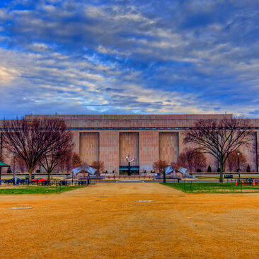 Smithsonian National Museum of the American History on the National Mall - Free Smithsonian Museum in Washington, DC