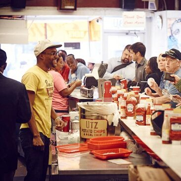 Ben's Chili Bowl - Places to Eat on U Street - Washington, DC