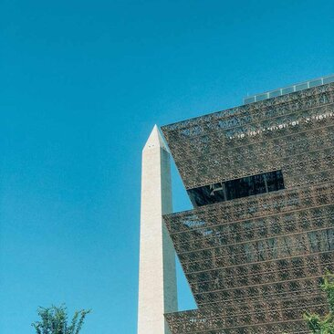 @tinatin_fhl Washington Monument and National Museum of African American History and Culture on the National Mall in Washington, DC