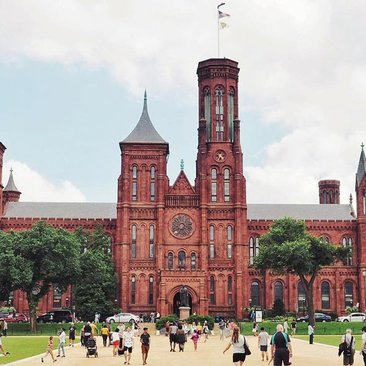 @travelwith_caro - Summer scene at the Smithsonian Castle on the National Mall - The best things to do this summer in Washington, DC