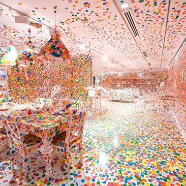 Yayoi Kusama Infinity Mirrors Exhibit at the Hirshhorn Museum - Things to Do in Washington, DC