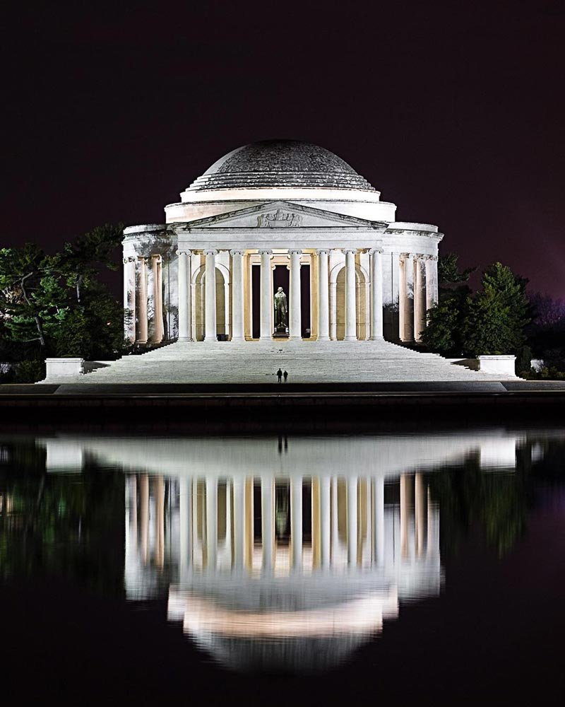 @zackowicz - Couple alone at Jefferson Memorial on the National Mall - Romantic things to do in Washington, DC