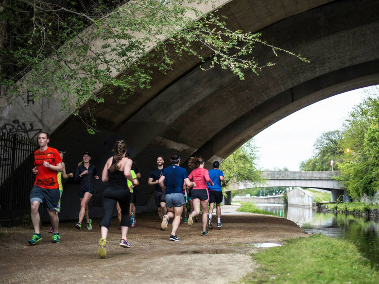 runners along co canal