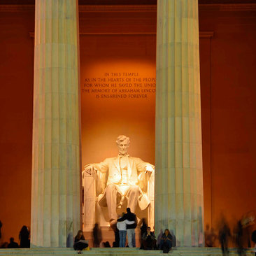 lincoln memorial with statue at night